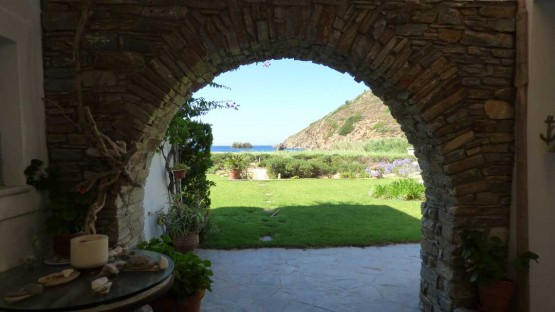 Fellos-Beach-Front-Terrace-Stone-Archway